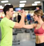 Jak se liší cvičení u mužů a žen? Mělo by se lišit?