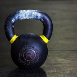 Kettlebell a krátký kruhový trénink? S tímto zhubnete i doma